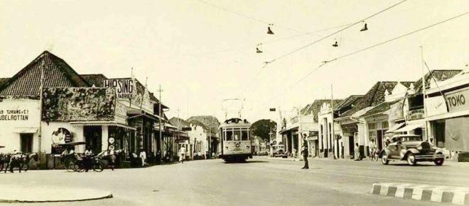 Grote Postweg in Surabaya 1930
