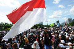 Viering van de geboortedag van de profeet, bij het nationaal monument in Jakarta
