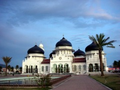 De Grote Moskee van Banda Atjeh, een symbool voor de islam in de provincie.