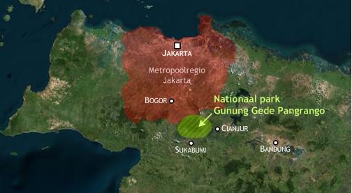 Ligging van het nationaal park Gunung Gede Pangrango in relatie tot de omringende steden