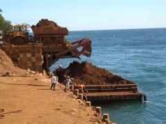 Een lading nikkel van het eiland Halmahera