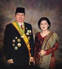 Een staatsieportret van president SBY en zijn vrouw Ani.