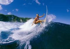 Surfen is erg populair onder de toeristen op Bali