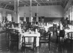De lobby van Grand Hotel Lembang