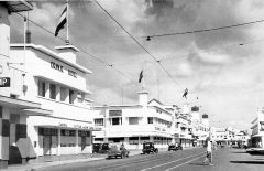 Hotel Oranje in 1930, toen de Nederlandse vlag nog fier wapperde.