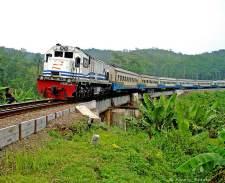 trein tussen bandung en jakarta