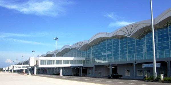 Kuala Namu International Airport is een moderne luchthaven, die met een snelle trein verbonden is met het stadscentrum van Medan.