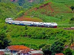 Trein Lodaya Pagi
