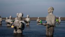 Sidoarjo modder monument