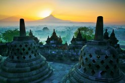 Borobudur Merapi.jpg