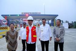 Jokowi opent tolweg.jpg