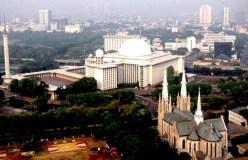 Istiqlal kathedraal Jakarta.jpg
